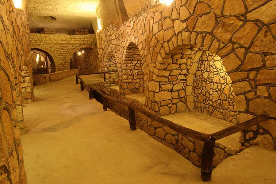 شهر زیر زمینی کاریز در جزیره کیش