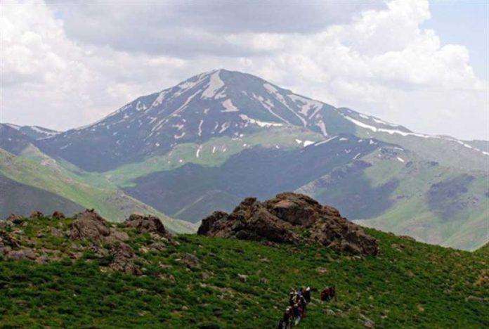 کوه چهل چشمه در کردستان